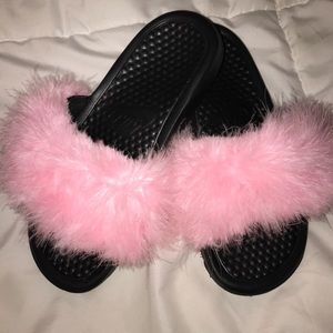 Nike furry slides